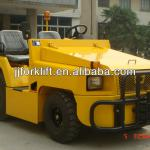 diesel baggage towing tractor for airport 2500KG drawbar pull